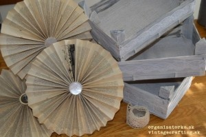 Vlastnoručne vyrobené papierové rozetky